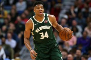 Giannis led Bucks to a win against the Nets